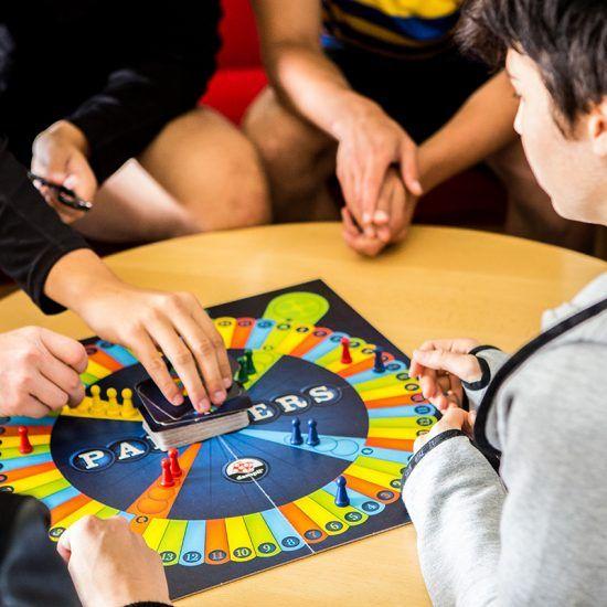spil-social-pejsestue-højskole